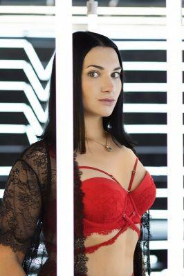 Вызвать проститутку от 12000 руб. в час (Транс Ольга, 26 лет)